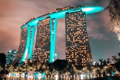 singapore een van de grote goklanden met het Marina Bay Sands-unsplash